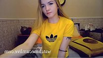 Teen on webcam